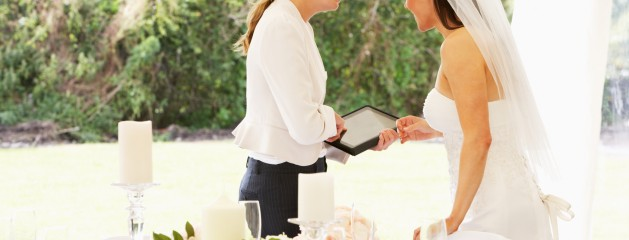 How to Hire a Wedding Planner